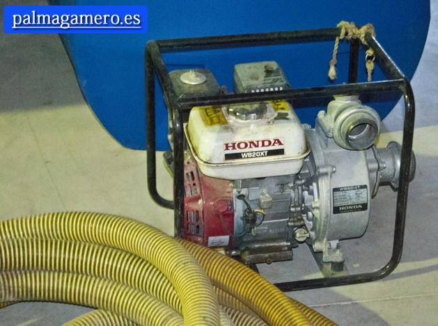MOTOR 4CV HONDA DE SACAR AGUA.